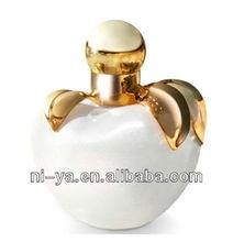 Apply shape nice fruity lady perfume