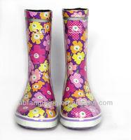Anti-slip Design Colored Fashion Men Rubber Rain Boots Manufacturer