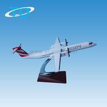 1:100 33cm Dash8-400 detachable wings cargo airplane sale