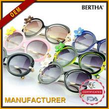 Flower Ornament Fashionable Sunglasses 819