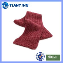 women red maroon knitted scarf