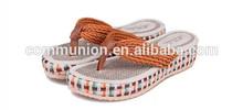 2014 ultima donna sandali flat utilizzare paglia tessitura cunei flip- flop