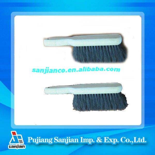 Short Wooden Handle Dust Brush