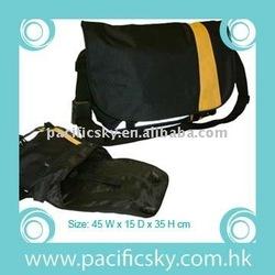 "Fashion 18"" Vinyl messenger bag, for laptop computer"