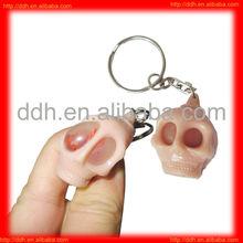 plastic Fun Squeeze Skull keychain toy/halloween gift