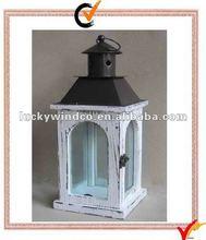 Wood hurricane lantern