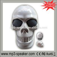 hot sale portable laptop mini skull mp4 speaker factory