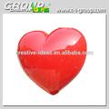 giant pendurado coração vermelho para mostrar