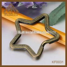 2012 fashion metal high quality split key ring star design