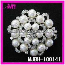 clear crystal pearl rhinestone brooch and pins