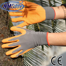 NMSAFETY 13 guage nylon or polyester liner coated natural rubber garden gloves