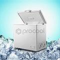 el compresor r134a del congelador en el pecho