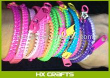 2014 New Design Attractive glow in dark zipper bracelet