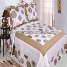 luxury and flower bedspread comforters