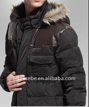 2014 degli uomini incappucciati lungo cappotto nero verso il basso in pelle sexy con polsini in maglia