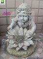 niña de césped ornamento de la escultura