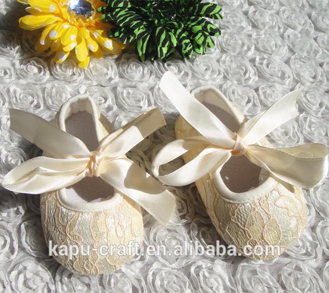 도매 패션 키즈 아동 신발 레이스 직물 신생아 아기 신발