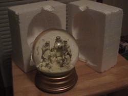 2014 Unique Design Wholesale Polyresin Handmade Water Globe