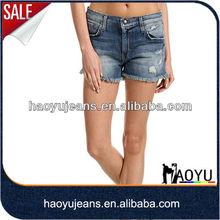 Utiliza las damas pantalones de jean de vintage mid moleton cintura pantalones cortos de mezclilla con cut off( hyws378)