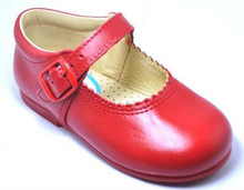 Shoes for children and girls manufactured with high quality in Spain in our factory that have an experiencie of 40 years