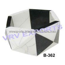 Con estilo y de la resina de pulsera blanco y negro granos de la resina cuadrados