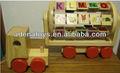 A madeira brinquedos educativos- brinquedos de madeira do caminhão com letras do alfabeto