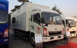 Sinotruck HOWO 10ton 160hp 4X2 Van Cargo Truck