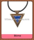 Fashion big triangle shaped pendant necklace