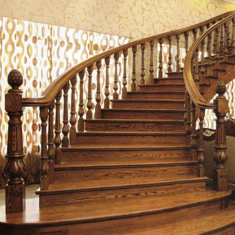 Intérieur blanc bois de chêne massif escalier en colimaçon escalier ...