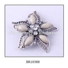 Elegant Center Rhinestone Flower White Resin Brooch For Women's