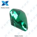 أعلى 2014 الجودةالدهون قطع المثلث الأخضر الأحجار الكريمة الإسبنيل synethtic السعر