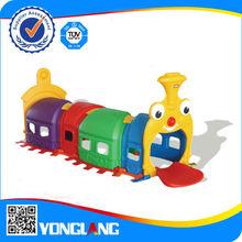 Plastic La train tunnel