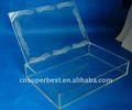 caja de acrílico personalizado con la tapa abierta