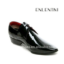 New style pointed patent leather men shoes