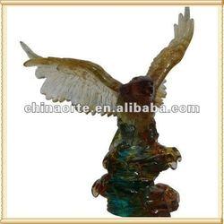 Carved Crystal Liuli Eagle Sculpture for Home Decoration