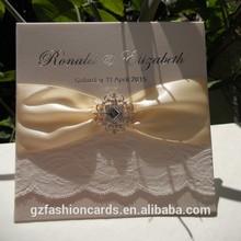 Vintage Elegent Rhinestone Buckle Lace Wedding Invitations