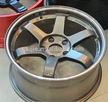 Volk Rays TE 37 replica alloy wheel