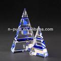 en blanco de cristal de cuarzo pirámide