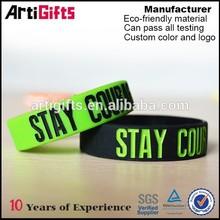 2015 Promotional embossed logo customized silicone wrist band