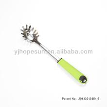 The new born new design slotted spaghetti ladle kitchen utensil