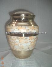 fino decorado urna funeraria