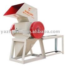 Screen material crusher and plastic crushing machine