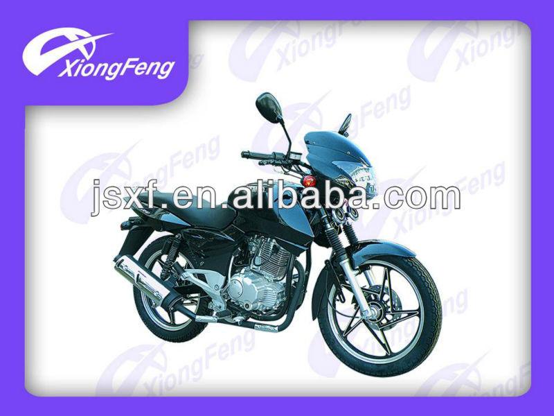 200ccのオートバイ、 motocicleta