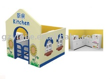 Guangzhou Yiqile pretend play wood doll house