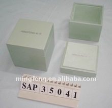 2014 New green NC lacquering wood perfume box with PP velvet