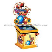 Hammer hitting amusement game and redemption machine