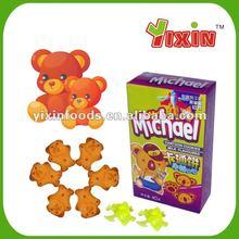Llenado de dibujos animados galletas y galletas con juguete