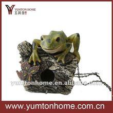 Polyresin tree frog bird house bird cage for garden decor