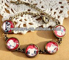 Alibaba China New Design Lovely Design Ahri sticker pendant antique gold chain Bracelet