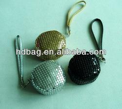 lady's gold color aluminum mesh clip coin purse